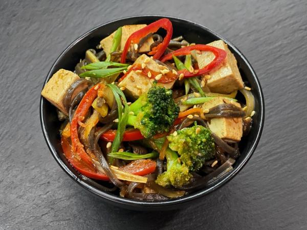 Соба вегетарианская с Тофу